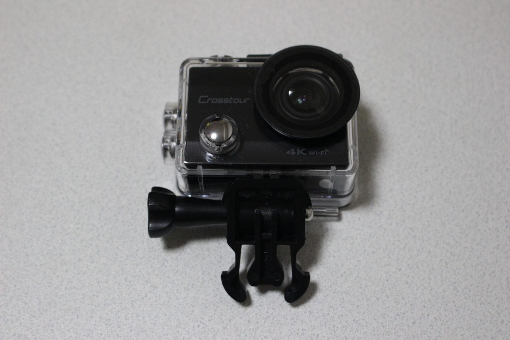 防水ケースに入ったアクションカメラ