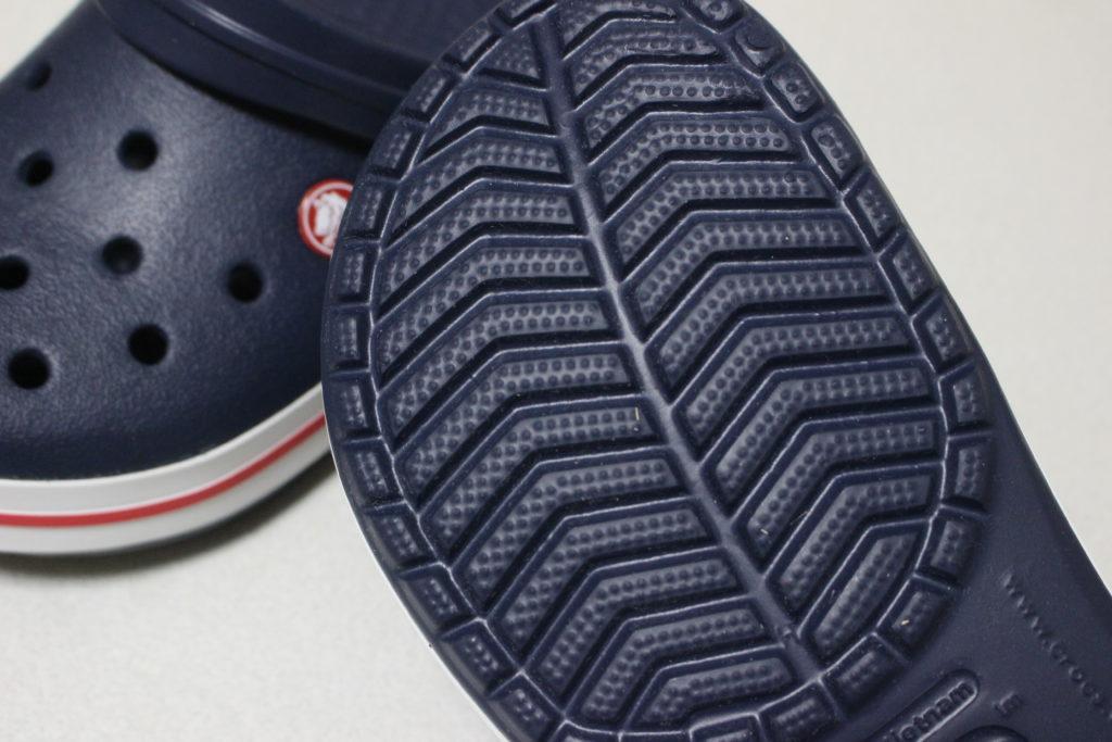 靴の底面は凸凹