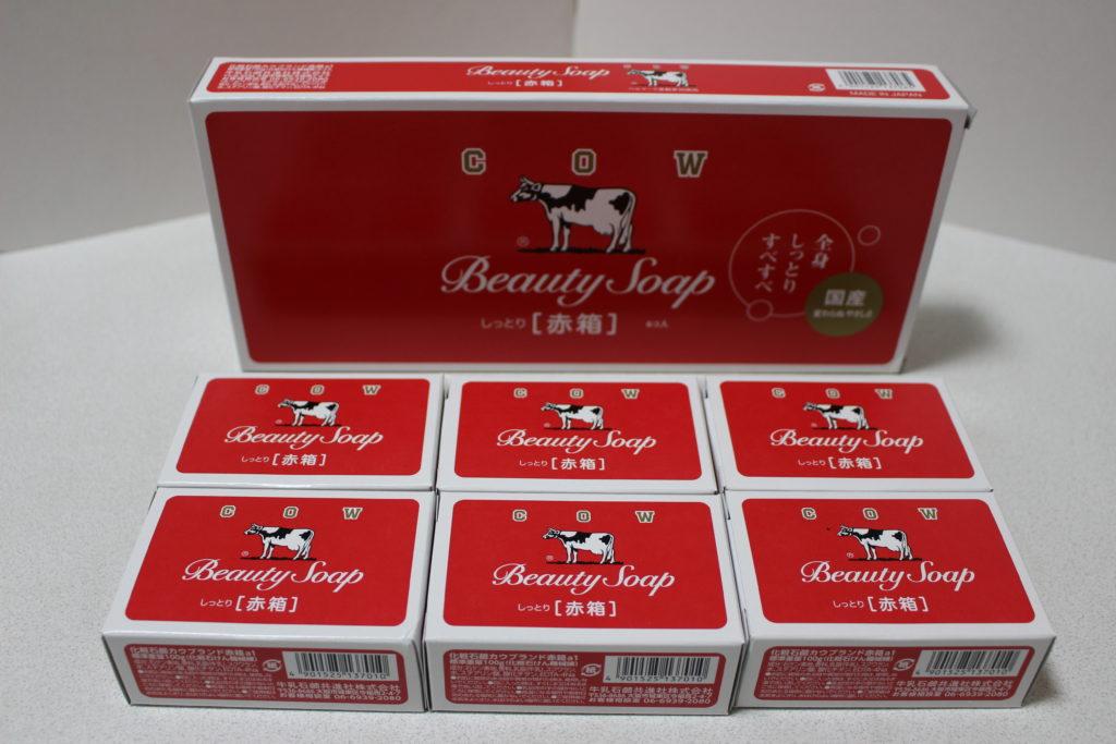 1箱に、石鹸の小箱が6個