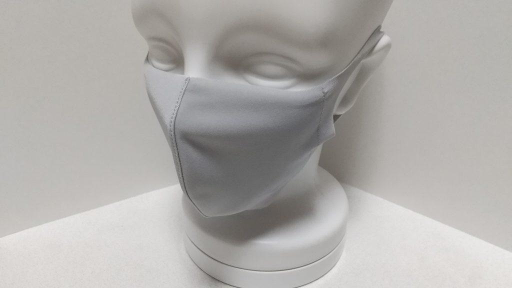 マスクを着けたマネキン